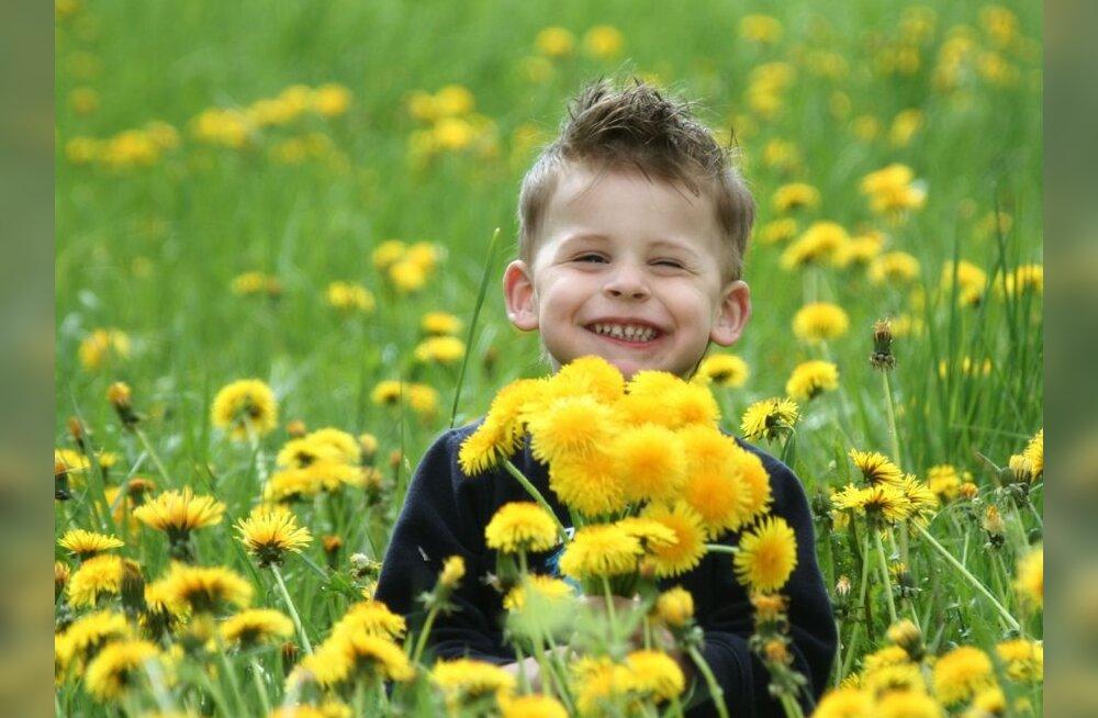 7 käitumismaneeri, mille vanemad võiksid lastelt üle võtta