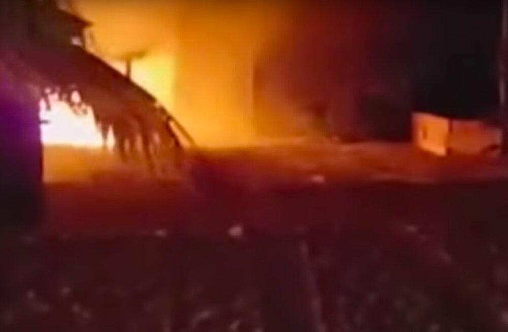 PARADIIS LEEKIDES | Jube tulekahju laastas Bahama saarel asuva staaride poolt armastatud puhkekeskuse