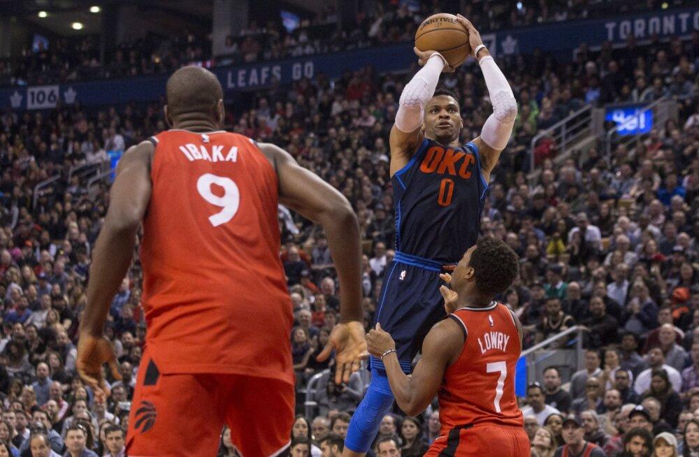 VIDEO | Westbrook lõpetas võimsa kolmikduubliga Raptorsi pika võiduseeria