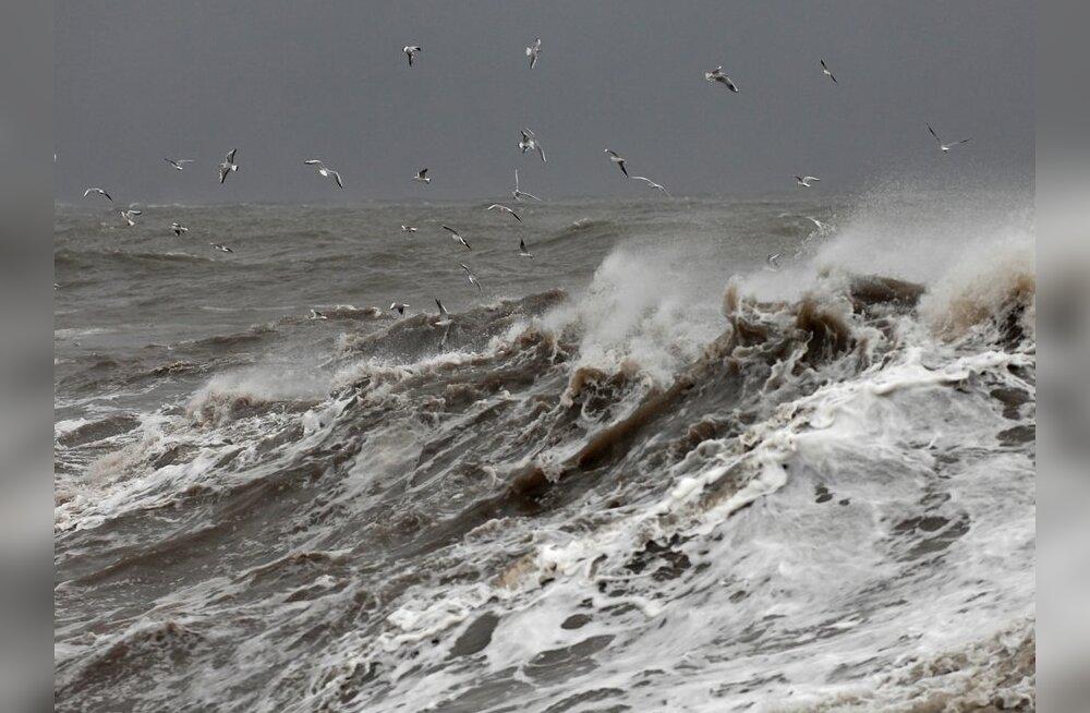 Tallinnast Houstonisse suundunud laeval hukkusid kapten ja peamehhaanik