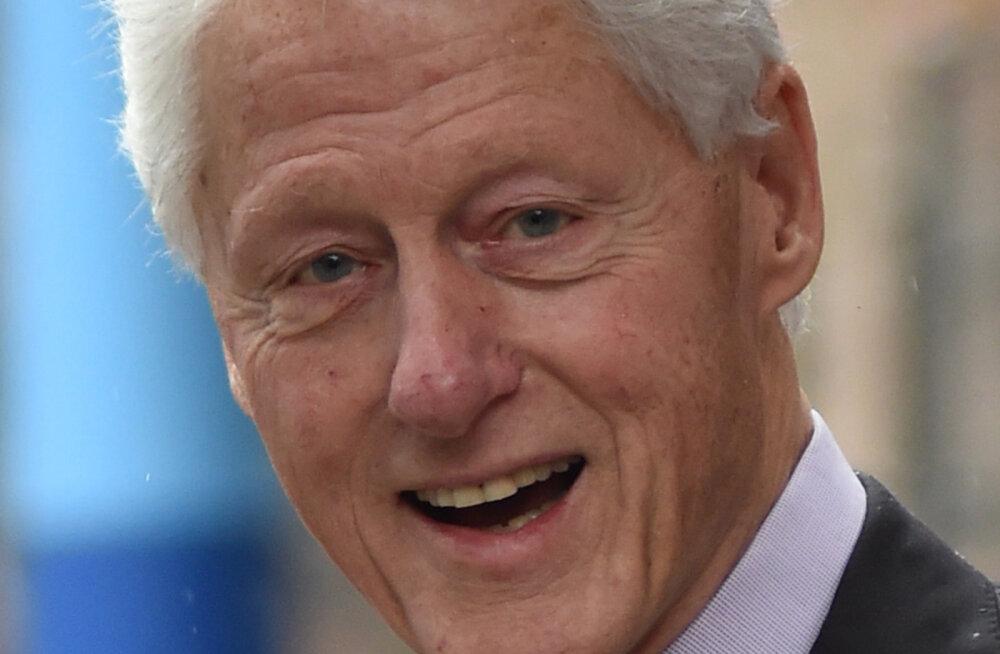 VAATA | Lekkisid fotod sellest, kuidas president Bill Clinton pedofiilias süüdistatud Jeffrey Epsteiniga reisib ja pidutseb