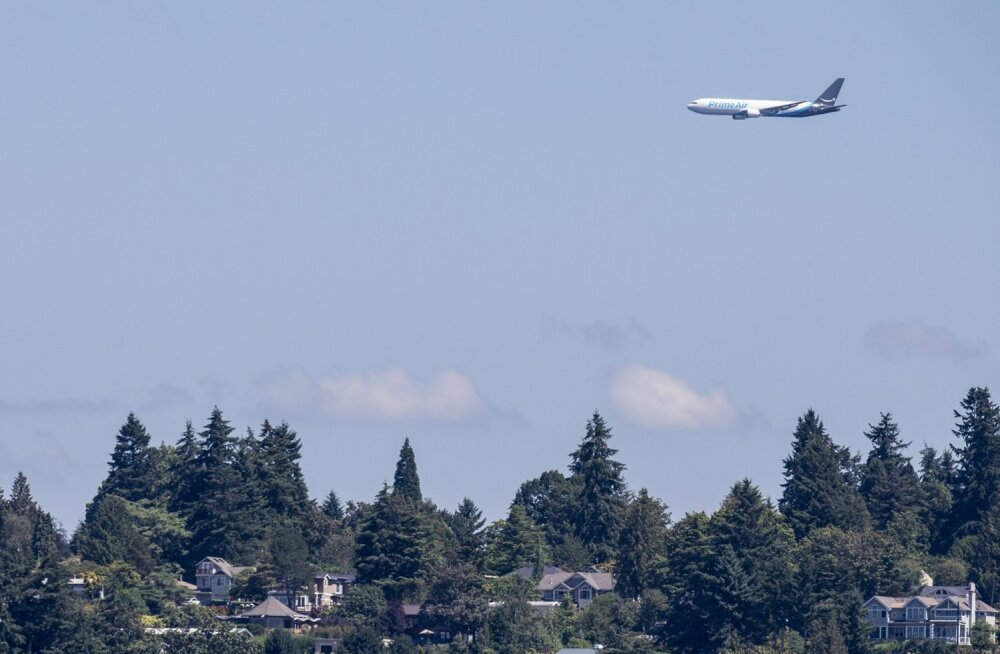 US-AMAZON-BRANDED-CARGO-PLANE-FLIES-IN-SEATTLE-SEAFAIR'S-AIRSHOW