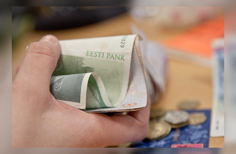 Suuremates pankades saab kroone eurodeks vahetada veel paar nädalat