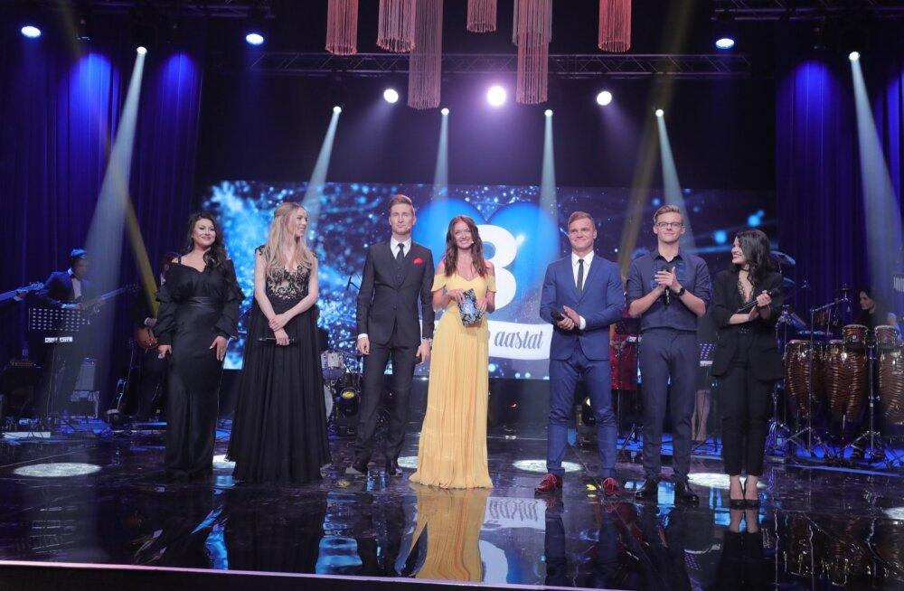 HIIGELGALERII: Šampanja voolab ja pidu täies hoos! Vaata, millised kaunid ja säravad külalised saabusid TV3 uhkele 20. sünnipäeva-pillerkaarile