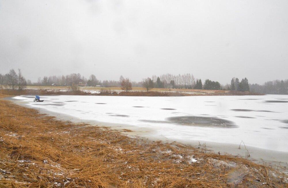 Полиция предупреждает: выход на лед приграничных водоемов запрещен