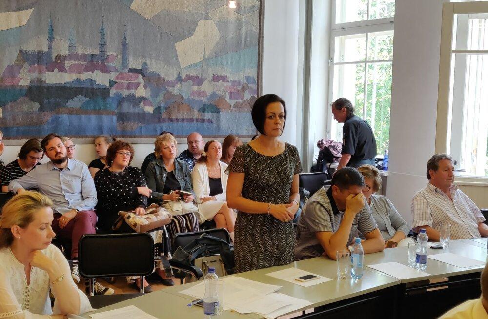 ФОТО: Председателем Нарвского городского собрания избрали директора Кренгольмской гимназии Ирину Янович