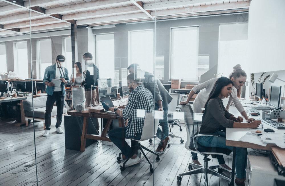 Uuring: ligi pooled kontoritöötajatest viibivad päevas alla kahe tunni värske õhu käes