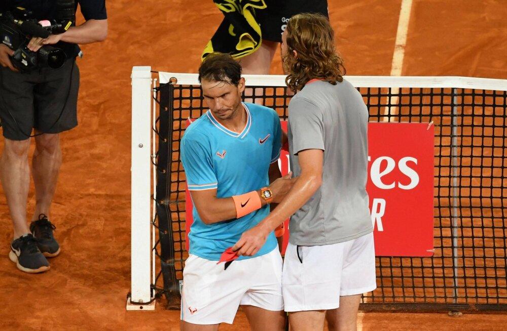 Kreeka tähtmängija kukutas Madridis Nadali, finaalis ootab ees Djokovic