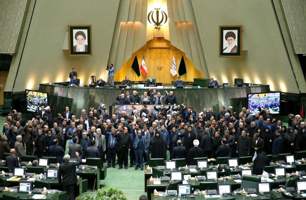 Iraani parlament kuulutas USA relvajõud terroristideks