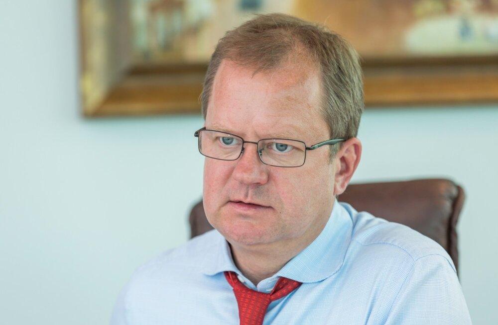 Maksukuriteo kahtlusega Oliver Kruuda pääses koos kolleegidega arestimajast