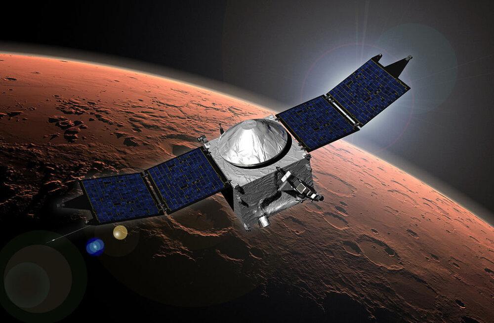 Mis toimub Marsil? Sond Maven nägi seletamatut tolmupilve ja ebaharilikke virmalisi
