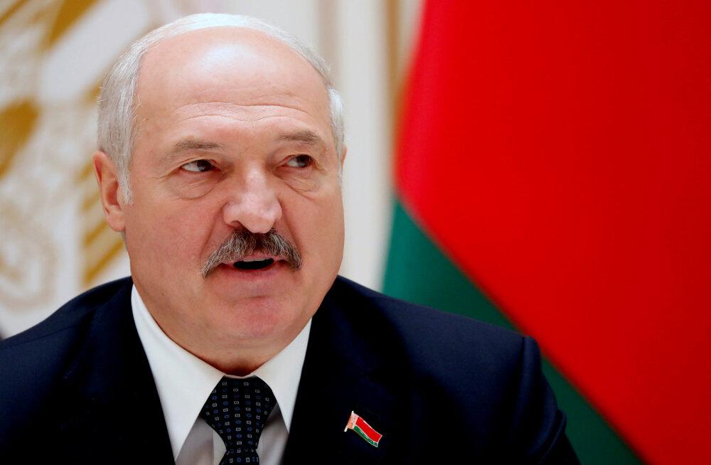 """Lukašenka nõudis """"vanemalt vennalt"""" Venemaalt, et ta Valgevenet ei kiusaks ega alla suruks"""