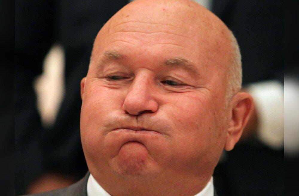 Lužkov ei kavatse Moskva linnapea kohalt tagasi astuda
