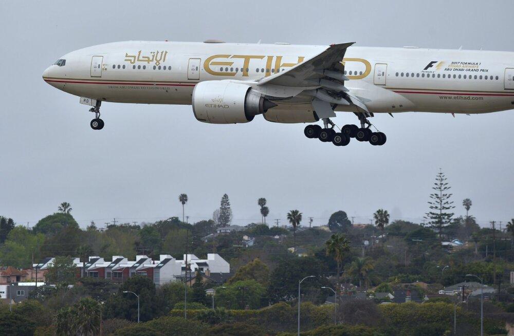 Lennufirma leidis laheda nipi, kuidas reisijatelt rohkem raha välja meelitada