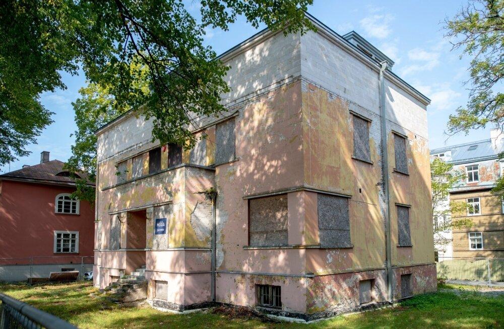 Weizenbergi 23 maja on konserveeritud ilmastikutingimuste vastu, kuid ilusamaks ta sellest ei muutu.