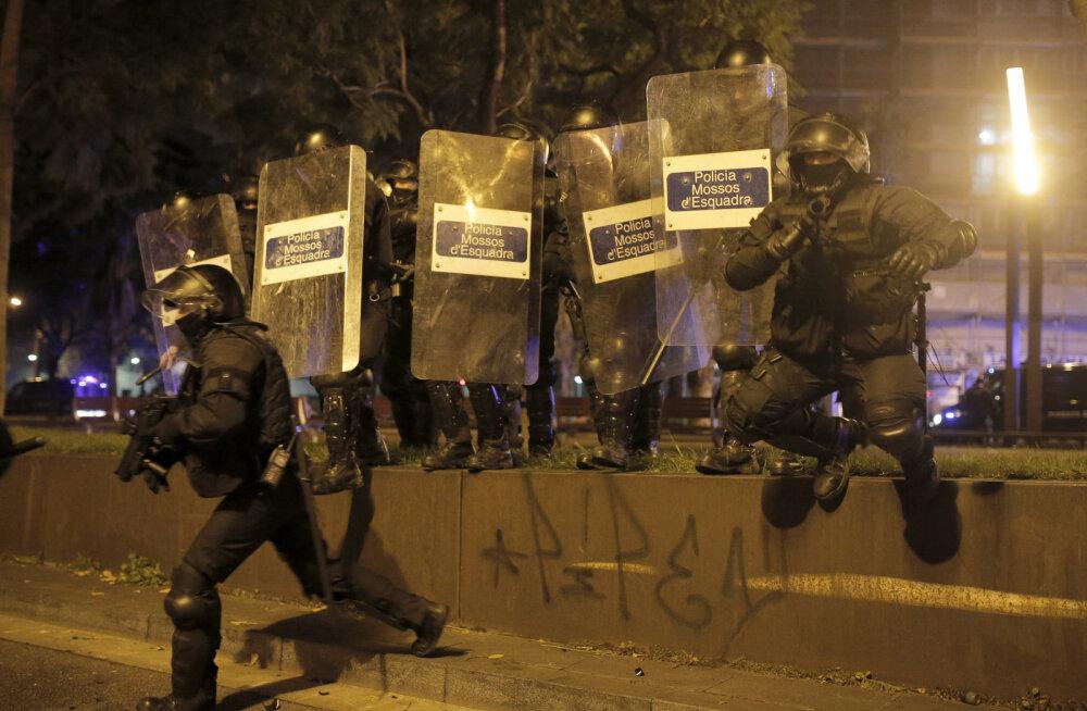 """Число пострадавших в беспорядках во время """"Эль классико"""" превысило 60 человек"""