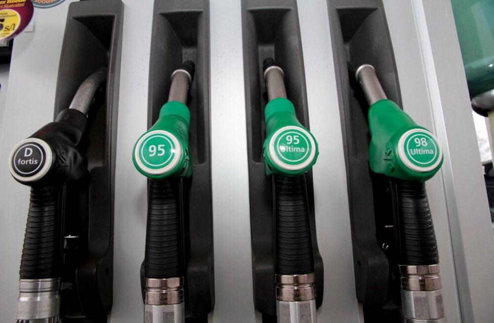Крупные сети заправок подняли цены на бензин