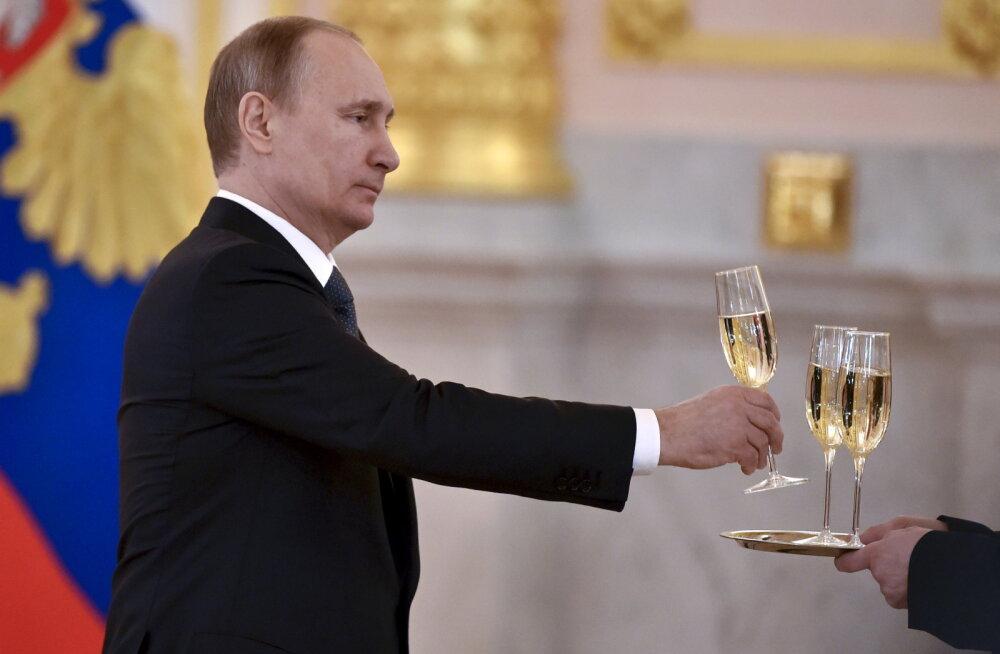Põhjus, miks Putin venemaalastele tasuta maad jagab: hiinlased võtavad võimust
