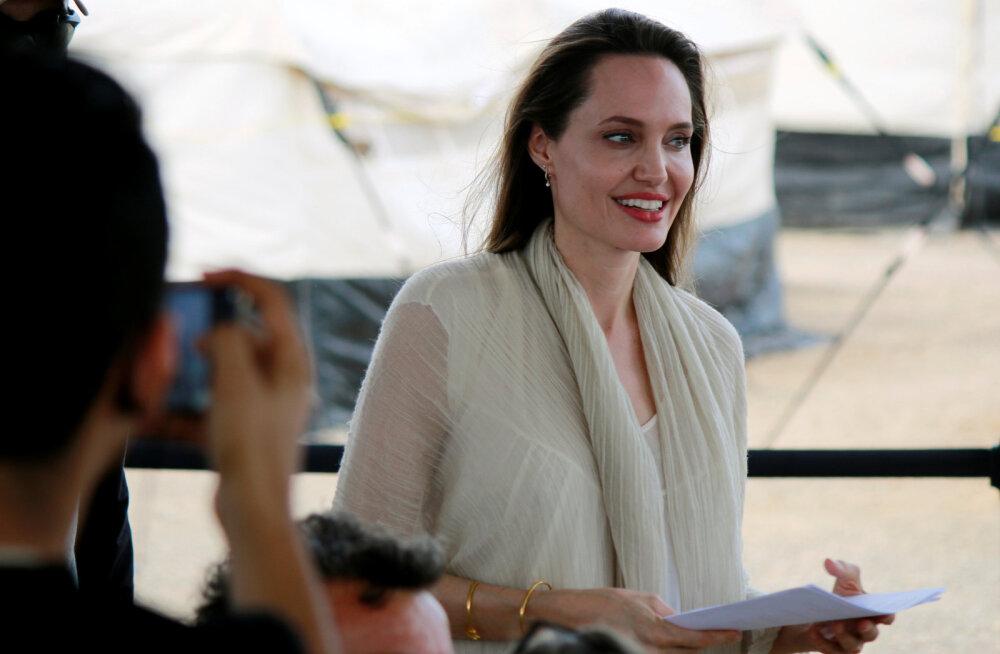 Endine lapsehoidja paljastas Angelina Jolie kasvatusmeetodid: ta laseb neil isegi veini juua