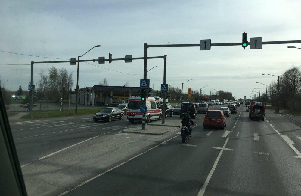 Ahelavarii Peterburi teel