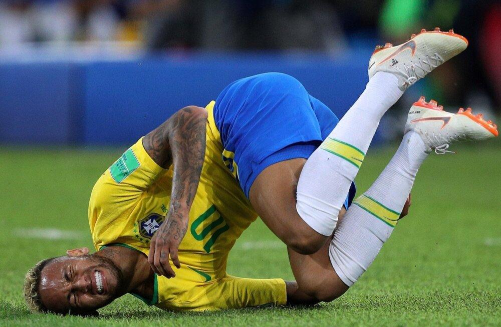 Säärases asendis oli Neymar MM-il minutite kaupa.
