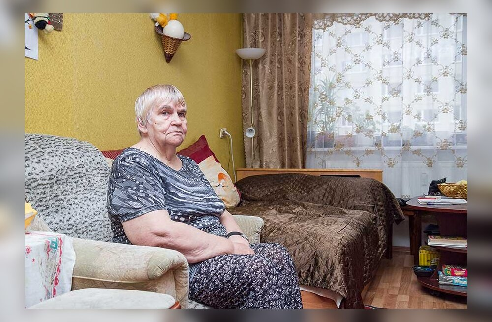 Шок: пенсионерку хотят выселить из ее единственного жилья и требуют деньги