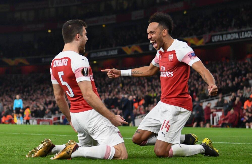Arsenali mehed Sokratis Papastathopoulos ja Pierre-Emerick Aubameyang