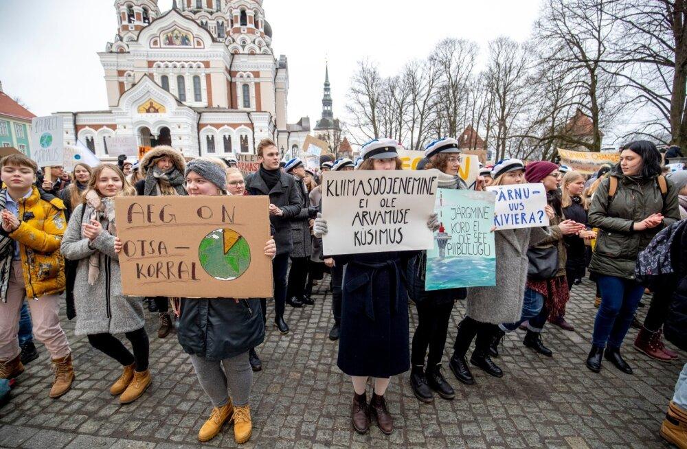 Eelkõige kutsusid noored kuulama teadlasi, kel on kliimamuutuste kohta kõige täpsem info.