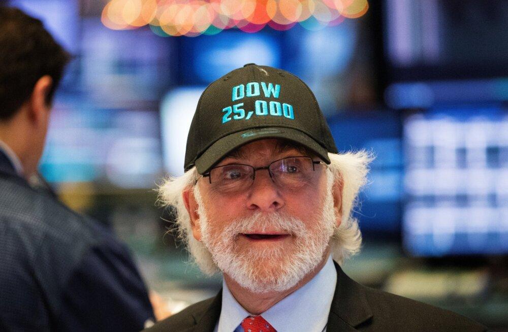 Trump õnnitles börsi: Dow tööstuskeskmine alistas ümmarguse numbriga taseme