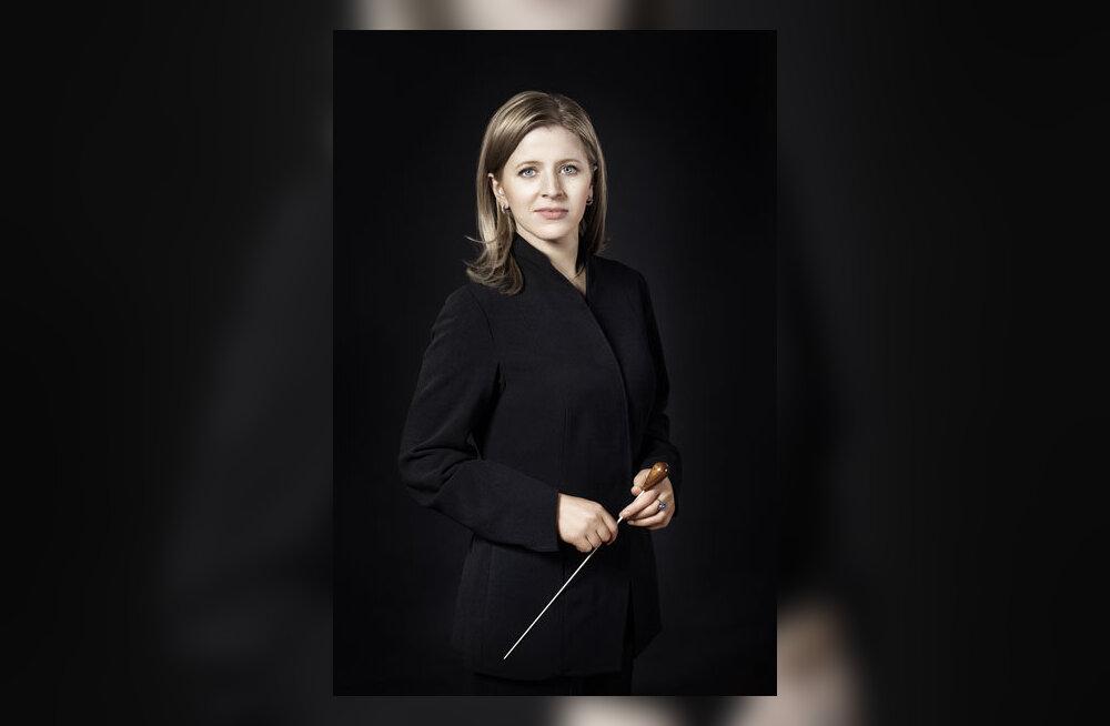Kristiina Poska dirigeerib Berliini Koomilises Ooperis taas nelja lavastust