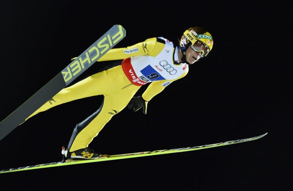 43-aastane suusahüppaja läheb olümpiakulla järgi: hüpped on veidi kangemaks jäänud