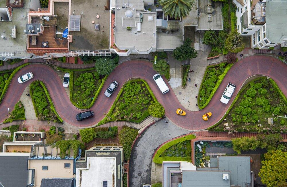Maailma kõige käänulisema tänava läbimine plaanitakse muuta tasuliseks