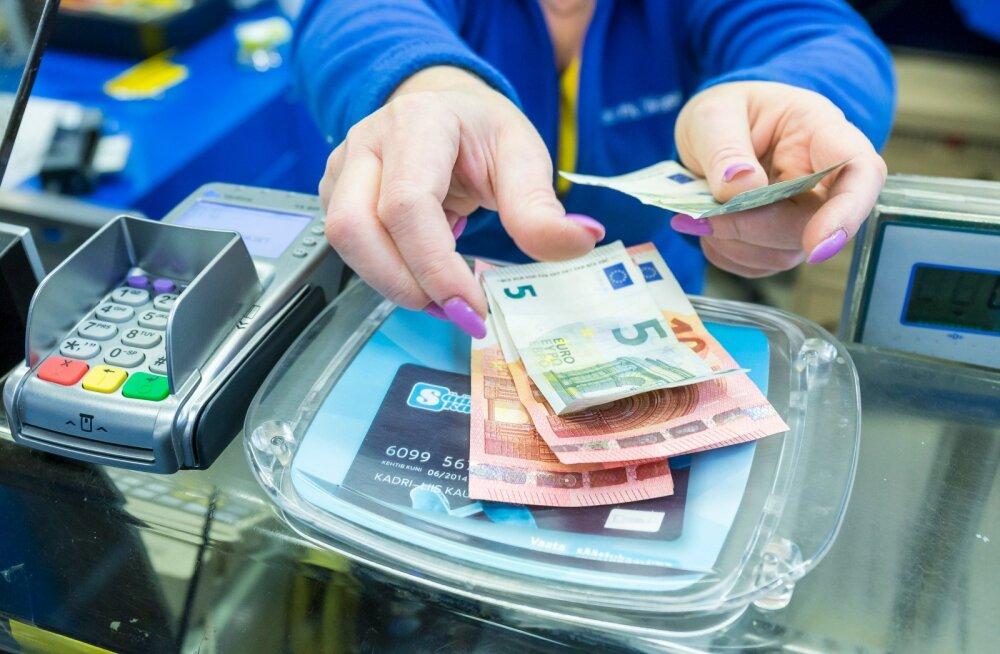 SEB analüüs: sularaha kasutatakse vähem, kulutused meelelahutusele kasvavad