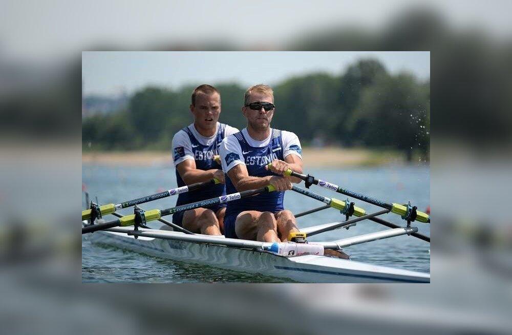 Sten-Erik Anderson (vasakul) on senistel testidel ja katsevõistlustel suutnud Kaspar Taimsood edestada. Mai alguses saab selgeks, millistesse paatidesse võistlejad lõpuks paigutatakse.