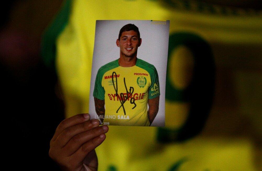 Nantes'i meeskonna fännid leinavad Emiliano Sala