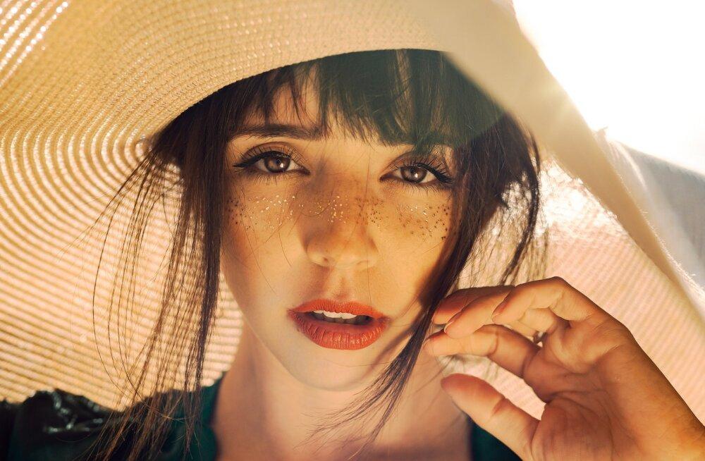 11 косметических средств, без которых не обойтись этим летом
