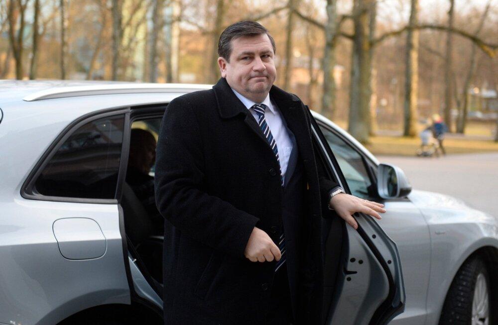 Ametnikele maksti isikliku auto töösõitudeks kasutamise eest miljoneid eurosid hüvitist