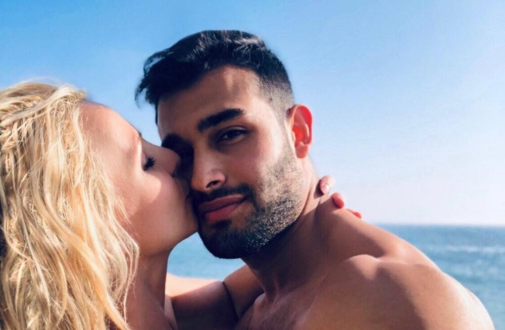 Бритни Спирс не может выйти замуж за молодого бойфренда без разрешения отца