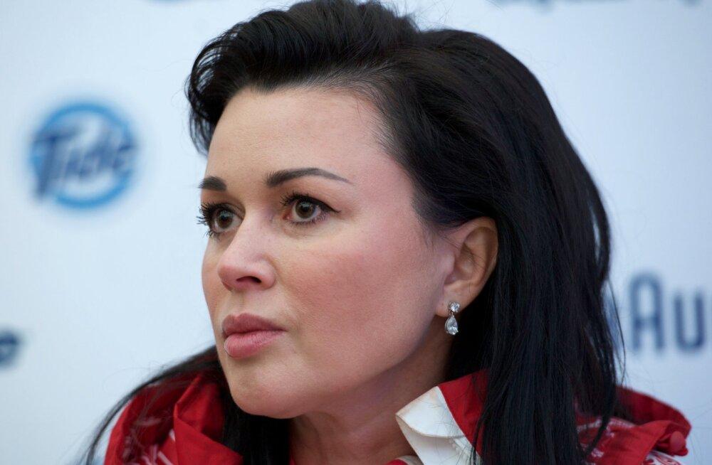 Valgus tunneli lõpus: näitlejanna Anastasia Zavorotnyuk võib ajuvähist paraneda