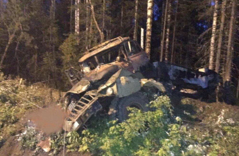 В Свердловской области взорвался бензовоз: четыре человека погибли