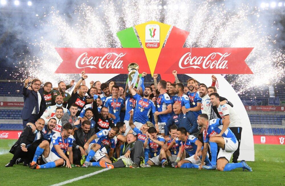 Juventuse penaltiseerias alistanud Napoli võitis Itaalia karika