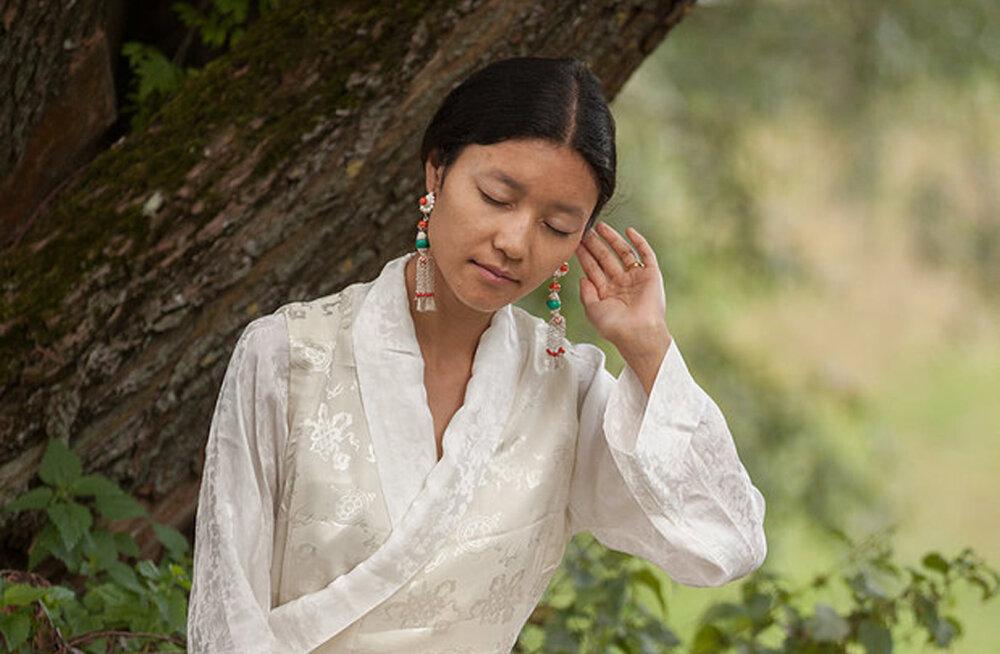 Tiibeti jogiini Drukmo Gyali imeline mantrakontsert Mustpeade majas