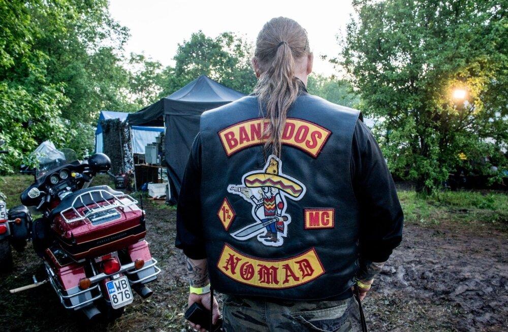 На выходных тысячи байкеров из связанного с криминалом мотоклуба заполонят дороги Эстонии: полиция призывает к осторожности!