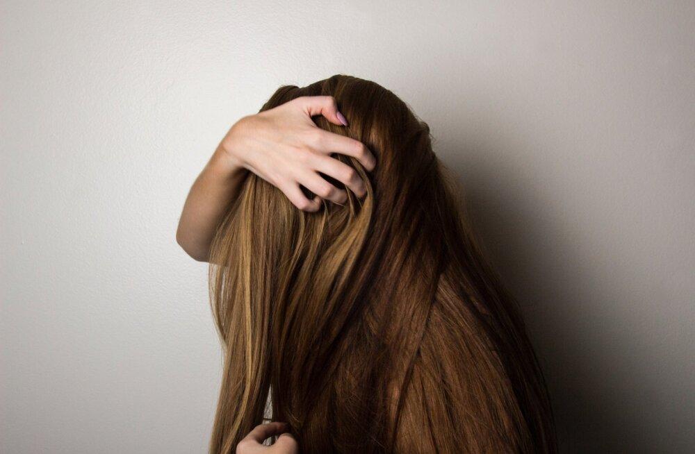 В Интернете плохого не посоветуют? Уринотерапия для красы волос!