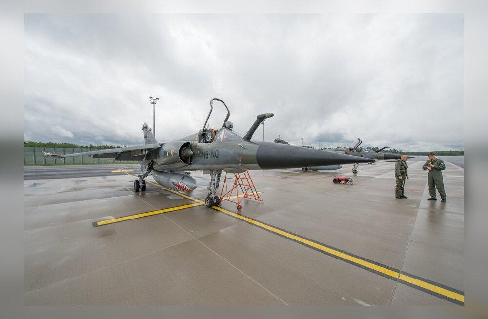 Kevadtormil osalenud lennukid Ämari lennuväljal