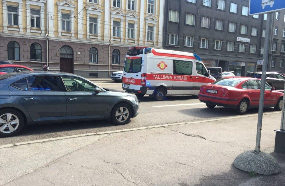 Liiklusõnnetus Tallinnas Narva maanteel