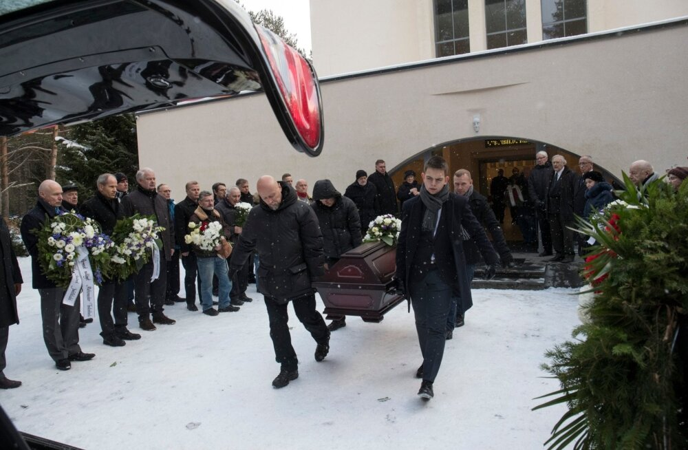 Aleksander Tšutšelovi ärasaatmine Pärnamäe kabelis.
