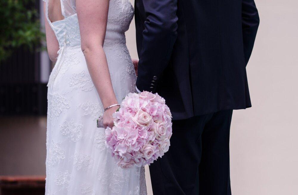 Mees enne pulmi tulevase naise sõbrannale: ma ei taha temaga abielluda!