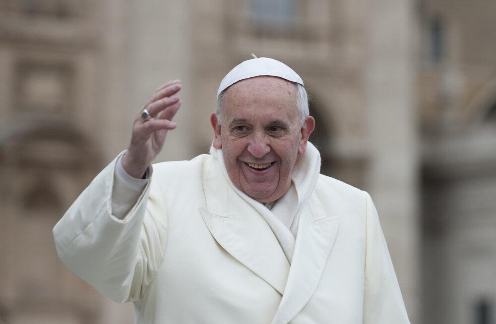 PAAVST KÜLASTAB TÄNA EESTIT | Kümme põnevat fakti paavst Franciscusest