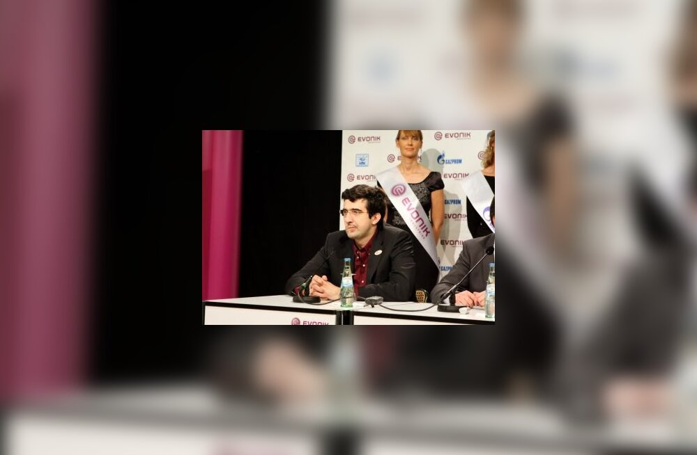 Anandi alistanud Vladimir Kramnik jäi ellu